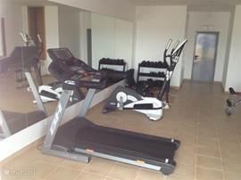 Fitness ruimte. Deze bevindt zich ook in het appartementencomplex.