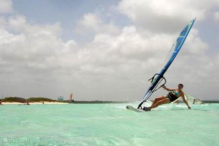 Windsurfen op Lac Bay