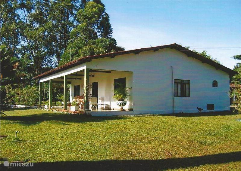 Vacation rental Brazil, Goiás, Anapolis - holiday house Santa Maria