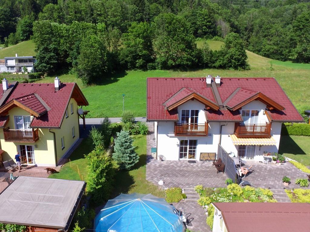 Nog slechts 3 eerste weken in juli ( 1 tot 22 juli )beschikbaar en van 12 tot 26 augustus. Het enige huis in Kotschach met eigen zwembad