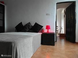slaapkamer 2 met een tweepersoons bed
