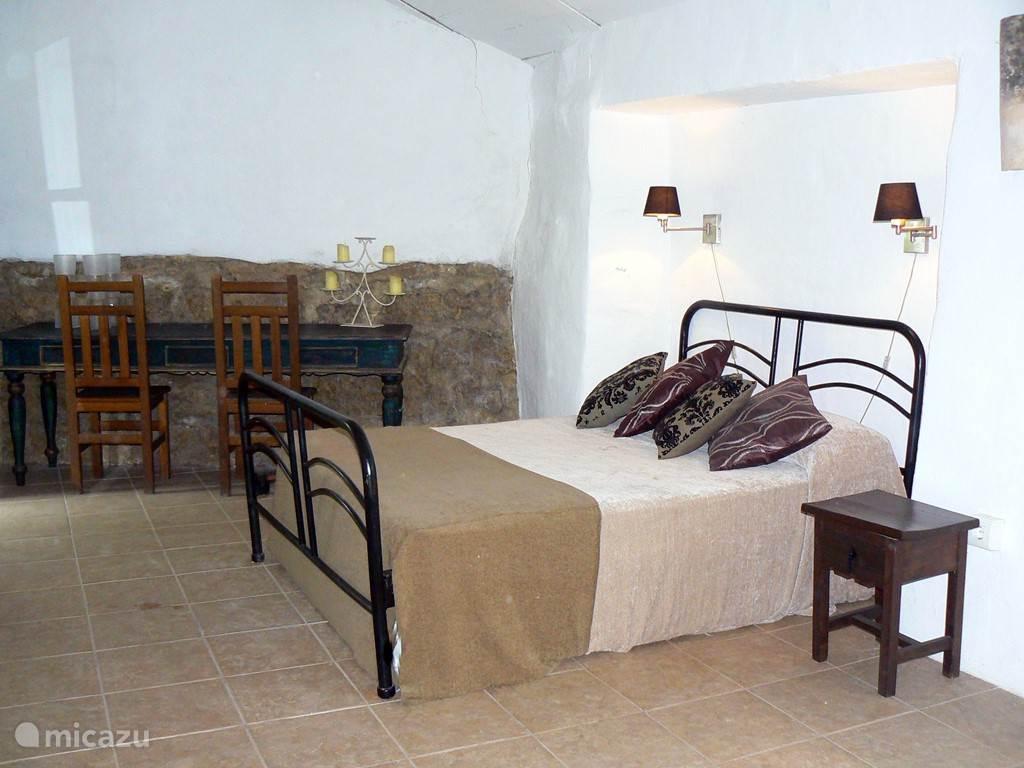 Slaapkamer in het kleine huisje vanaf 13-16 pers.
