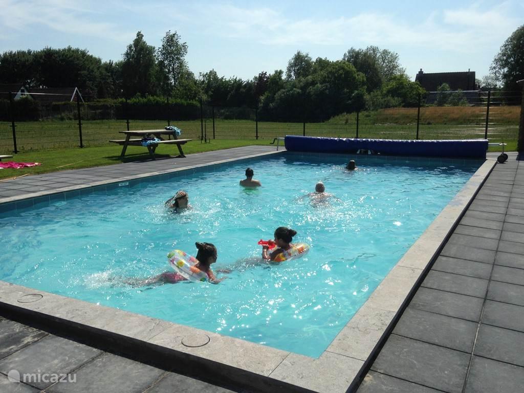 Op 20 juni 2015 hebben wij ons nieuwe zwembad op het park geopend. Naast ons zwembad is nog een peuterbad en een zandspeeltuin met speeltoestellen.