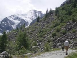 De Grand Cornier, bezien op weg naar de Petit Mountet.
