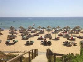 Strand bij Vale do Lobo.