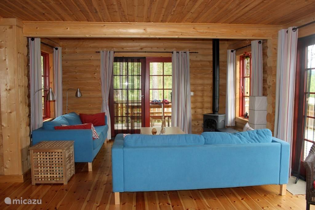 heerlijke kamer, licht, uitzicht naar 3 kanten en 2 dubbele deuren naar de ruime veranda