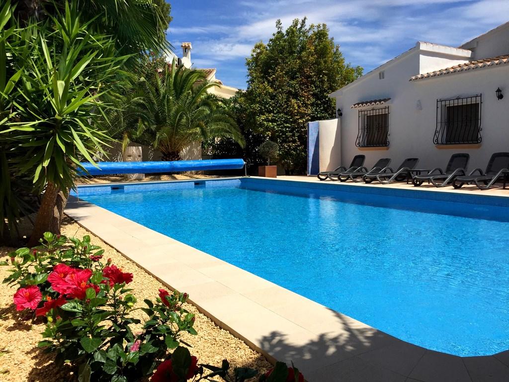 Nog beschikbaar 4-8 / 11-8 luxe villa max 10 personen. Prijs 2450 euro ! Gemoderniseerd in 2018 en in TOP-conditie!