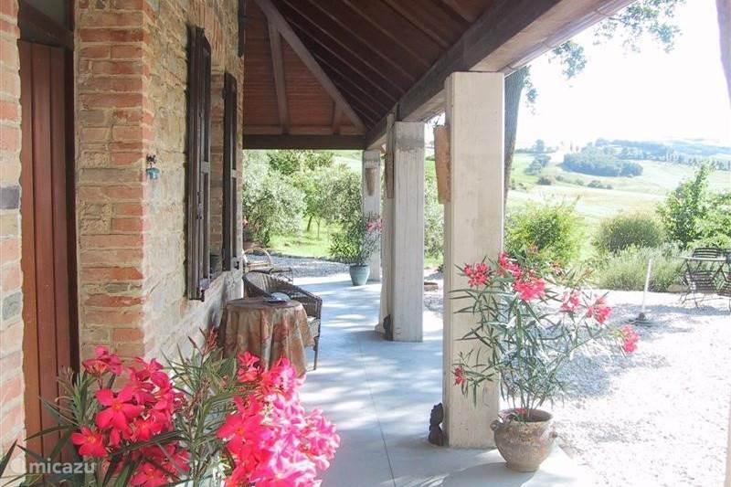 Vakantiehuis Italië, Marche, San Lorenzo In Campo Bed & Breakfast B&B Lucertola. Appartement Antonella