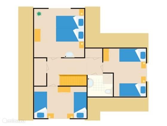 Erste verdieping: badkamer met toilet en rainshower douche, 2 slaapkamers (16 m2), een kleine slaapkamer van 10 m2 met apart kleedingkast, hal en privé kast.