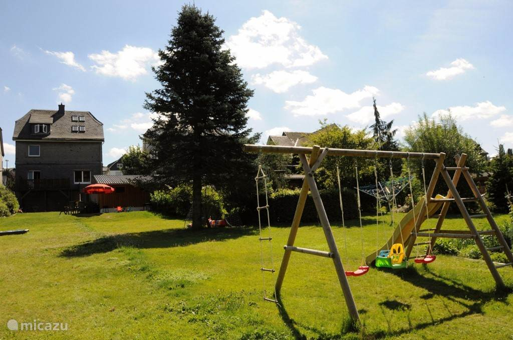 In the garden there is a playground for children: football goals, sandpit, swing and slide. The children can play completely free and without traffic hazard. While maintaining proper supervision by parents.