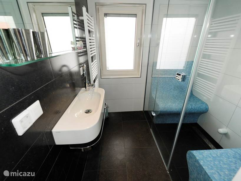 Stoomruimte met badkamer