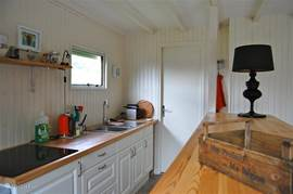 The kitchen is fully equipped. Decorated by a cooking enthusiast therefore also suitable for those who want to cook delicious with all local produce available.