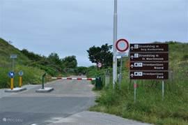 De toegangsweg naar het strand