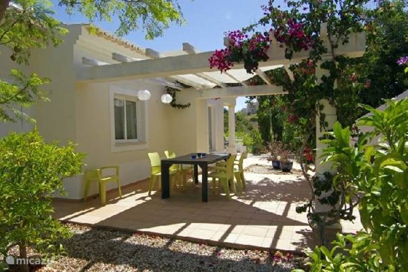 villa das wei e haus in carvoeiro algarve portugal mieten micazu. Black Bedroom Furniture Sets. Home Design Ideas