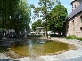 De markt van Groede.. Onlangs door 3FM uitgeroepen tot leukste dorp van Zeeland, op slechts 10 minuten rijden.