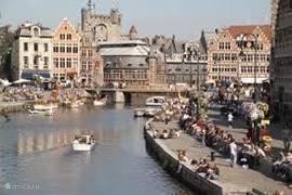 Op ongeveer een uur rijden van Sasput ligt Gent. Even cultuur snuiven..