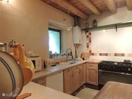 De grote open keuken is van alle gemakken voorzien!