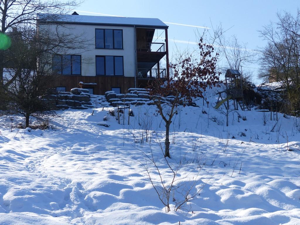 luxe huis/vrijstaand/natuur/wifi/sauna/10 min te voet naar Bouillon. Nog 4 midweken vrij in dec en jan. All in (ook lakens) normaal 510 nu 459 euro.