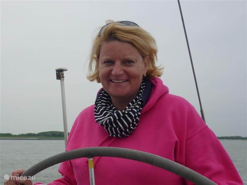 Georgette Stam