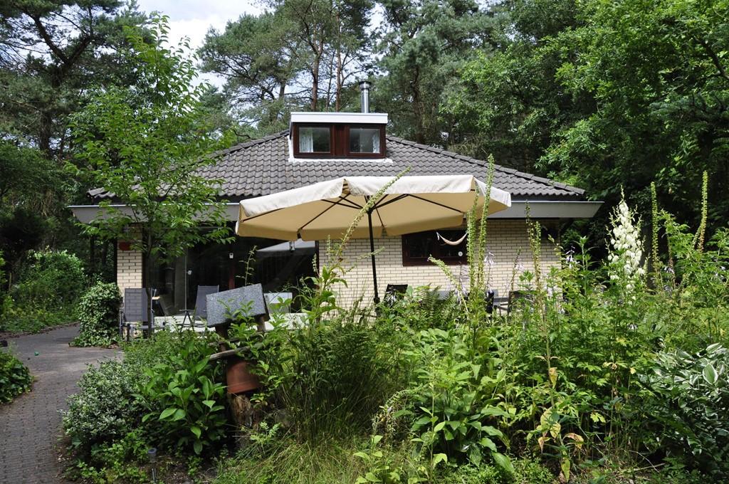10 % korting op ons ruime 6 - 10 persoons vakantiehuis met grote speelkelder, gelegen in bos:: november, december, januari