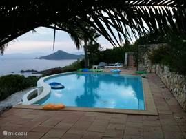 Zwembad met 270gr zeezicht