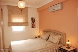 Twee persoons kamer met badkamer en balkon
