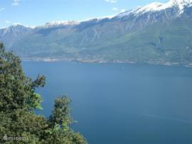 Even in spring you can enjoy the snowy peaks of the Monte Baldo mountain