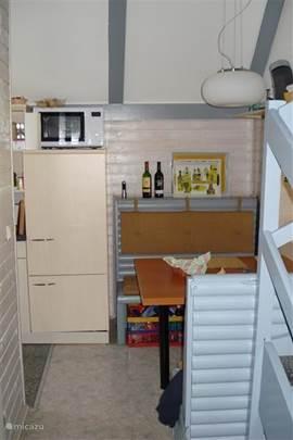 Foto van de keukeneethoek.