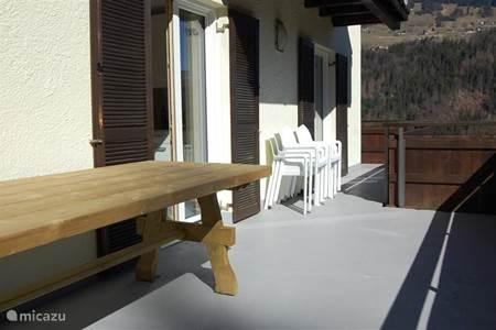 Vacation rentals in schruns vorarlberg austria micazu for Living room 4x3