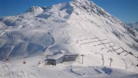 Montafon offers 246 km of ski runs by 61 lifts. The lifts are modern and like every year further improvements instead.
