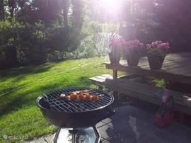 Begin van de avond de barbeque aan!