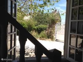 uitzicht uit het keukenraam voorkant