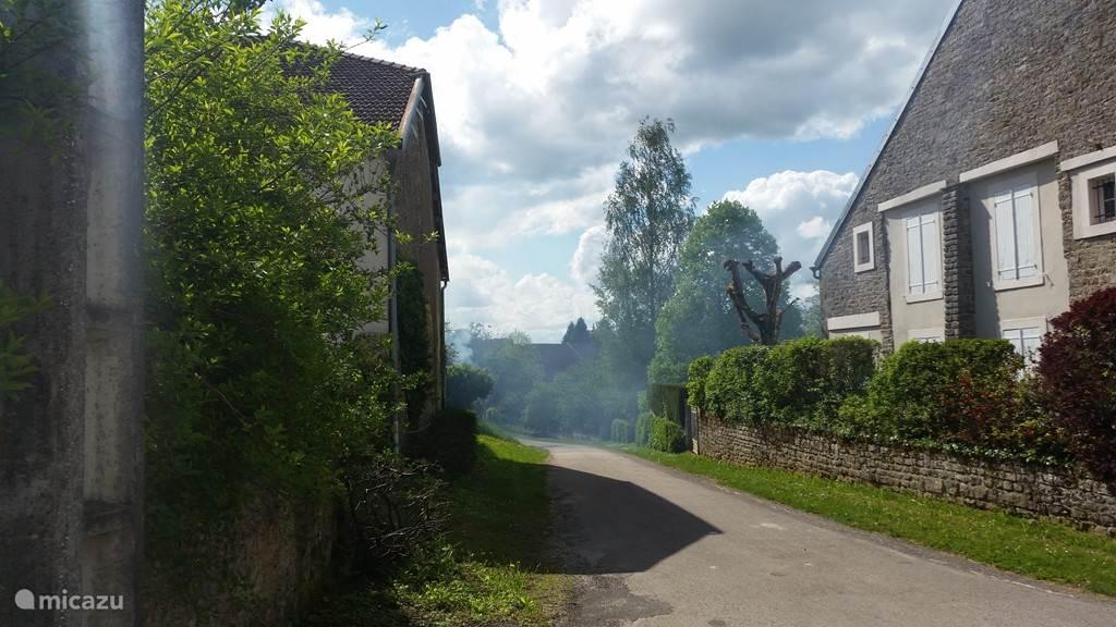 rue du pont...zijweggetje naar de brug (en de bakker)