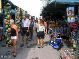 Casa Carima - Hospitalet zondagmarkt