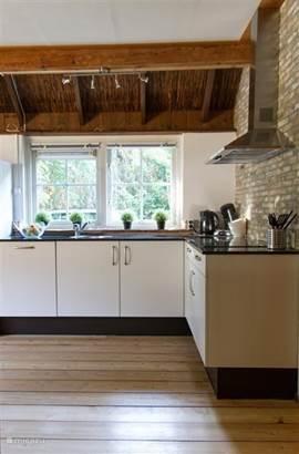 Keukenblok met uitzicht naar buiten