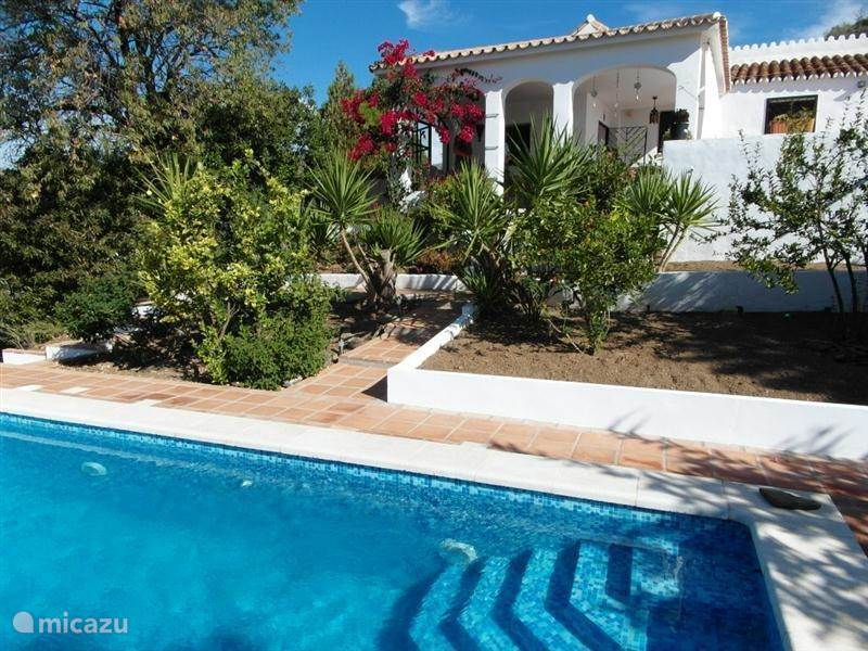 Vacation rental Spain, Andalusia, Cajiz holiday house Finca la Era