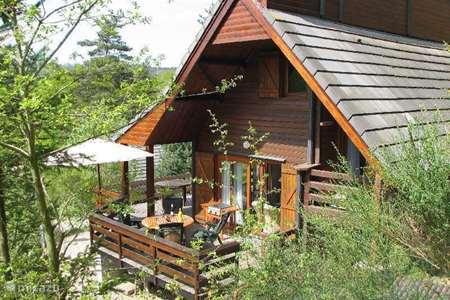 Vacation rental France, Cantal, Beaulieu holiday house Chalet Beaulieu