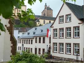 Alte Schule Malberg ligt in het hart van Malberg met uitzicht op het slot. Dit deel van de Eifel biedt veel mogelijkheden voor een zeer complete vakantie.