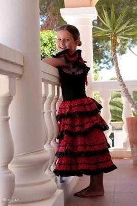 Op vakantie en ook nog zo'n verrukkelijke Flamenco jurk kopen in één van de boetiekjes. Extra genieten.