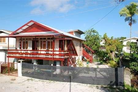 Vacation rental Suriname, Paramaribo, Paramaribo holiday house Aunt Rosa