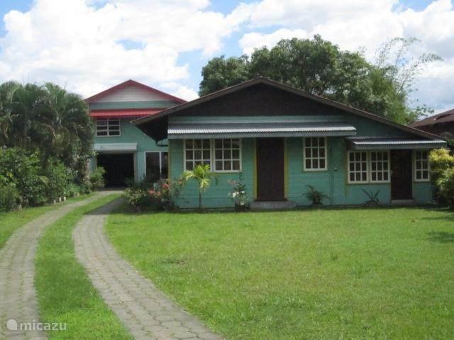 Vakantiehuis Suriname, Paramaribo, Paramaribo appartement Latour etage (Inclusief)