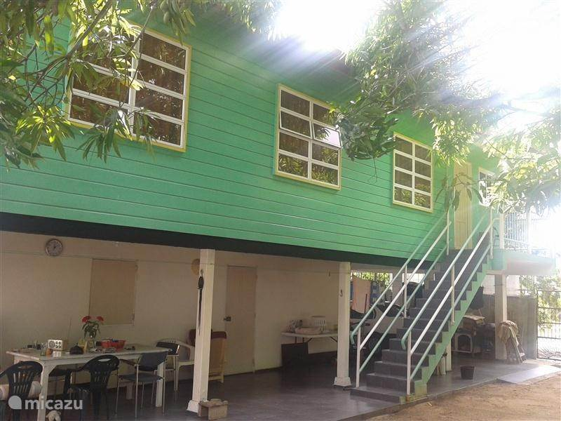 Vacation rental Suriname, Paramaribo, Paramaribo Apartment Latour floor (Including)