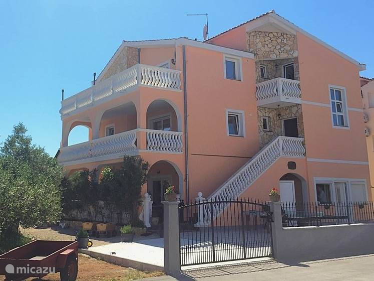 Villa Dolmar, the top two floors are for rent, the lower floor is the property of the owner.