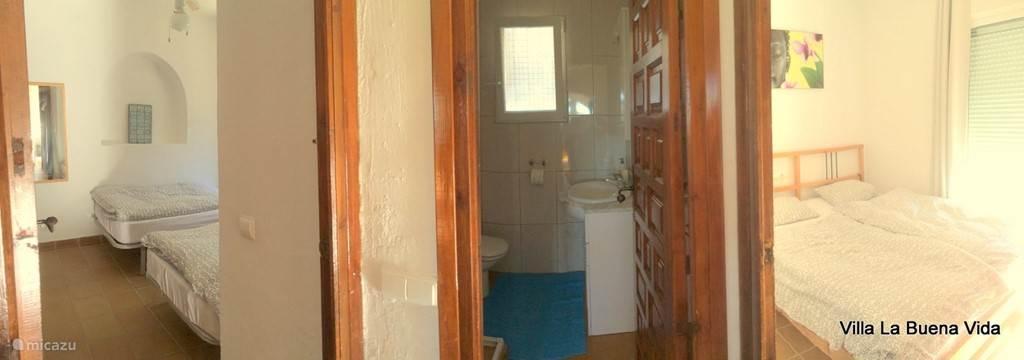 Slaapkamers en badkamer (klik op de foto voor de gehele impressie)