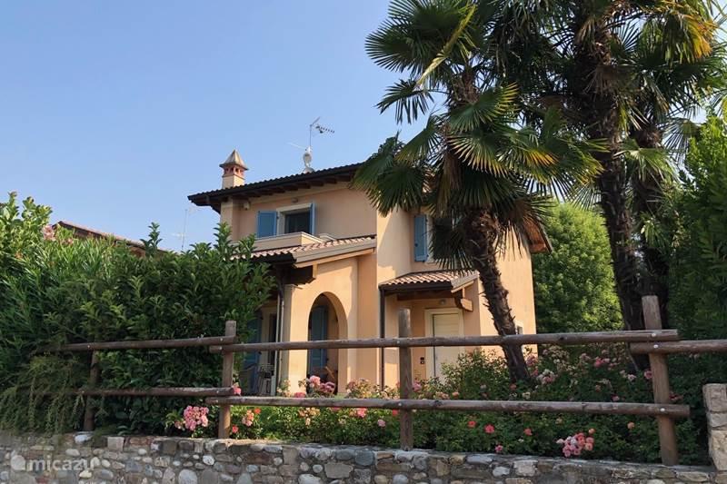 Vakantiehuis Italië, Gardameer, Desenzano del Garda Villa Villa Borgo Venzago
