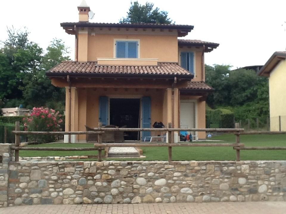 Lekker nazomeren in de herfstvakantie aan het Gardameer in een villa voor 8 personen?  Boek nu met lastminute korting: € 1500 per week i.p.v. € 2000