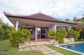 Spacious garden-facing villa with private pool. High level of privacy.