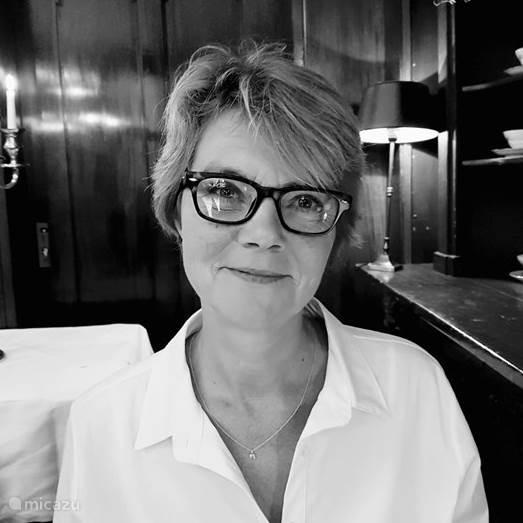 Karin Bos