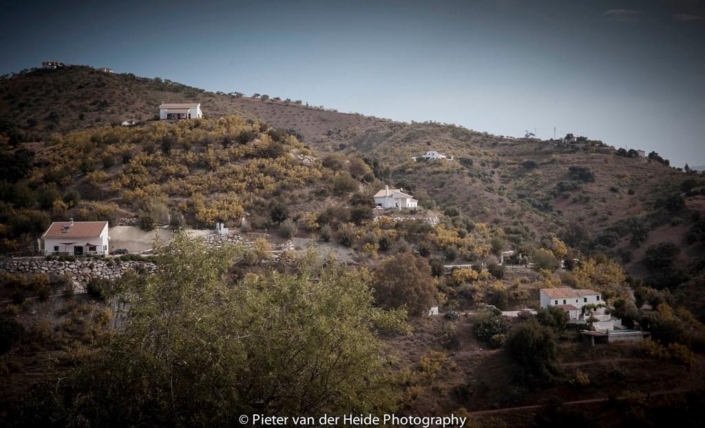Boek nu alvast voor 2017 met korting tot wel 20% voor februari en maart 2017. Finca Nirvana Andalucie. Met een heel nieuw zwembad en terrassen. DOEN !