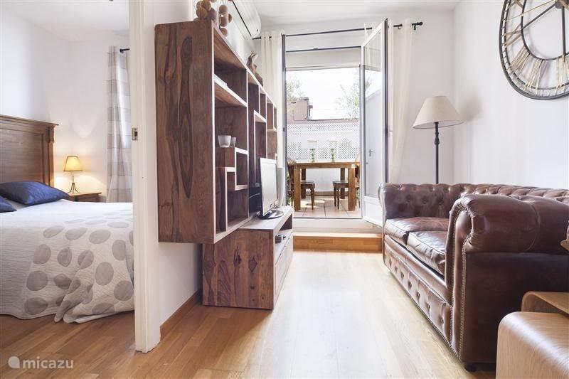 Vacation Rental Spain, Barcelona, Barcelona Apartment Atico De Dos Olivos  ...